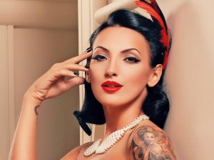 playboy aprilie roxana dragomir  (4) adina vlad makeup